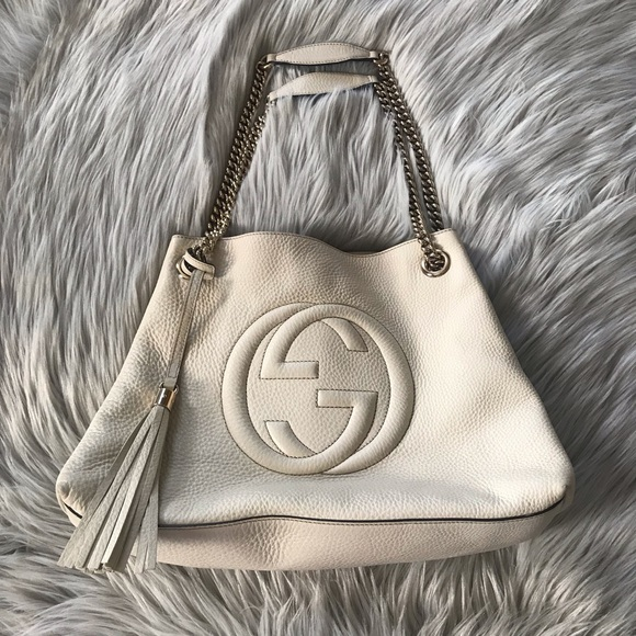 Gucci Handbags - GUCCI Medium Soho Chain Shoulder Bag